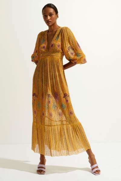 Robe longue sequins Louise moutarde, 595€, Antik Batik