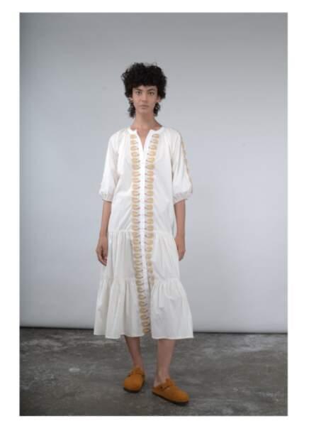 Robe longue brodée, 188€, V de Vinster