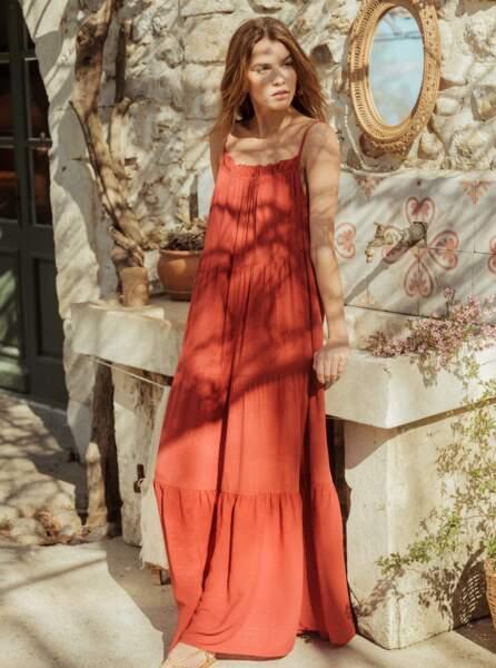 Robe maxi longue évasée, à fines bretelles rouge, 59,99€, La Redoute Collections