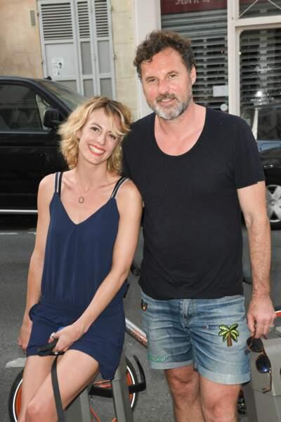 Sara Mortensen et son compagnon Bruce Tessore au vernissage de l'exposition de l'artiste peintre Caroline Faindt à la Dorothy's Gallery à Paris, le 25 juin 2019.