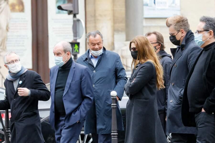 Pierre Lescure, Chiara Mastroianni et Benjamin Biolay à l'Eglise d'Auteuil à Paris le 19 mai 2021 pour les obsèques de Jean-Yves Bouvier