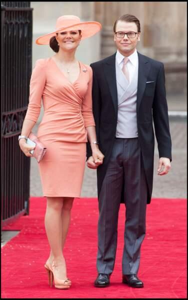 La robe portefeuille pastel de Victoria de Suède au mariage de Kate Middleton le 29 avril 2011.