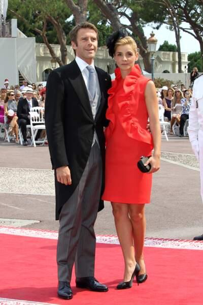 La robe rouge à frou frou de Clotilde Courau au mariage du prince Albert et Charlene de Monaco