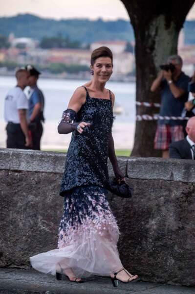 La robe longue bicolore Chanel de Caroline de Monacoo au mariage de son fils Pierre Casiraghi, le 1er août 2015.