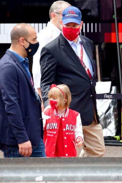La fille de Charlène de Monaco au bras de son père.
