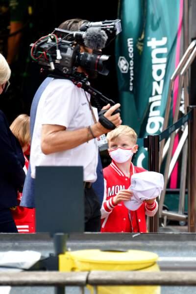 Le prince Jacques curieux lors de la visite des coulisses du 78eme Grand Prix de F1 de Monaco.