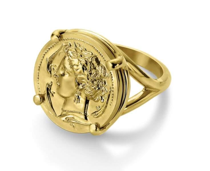 Chevalière Déesse Tanit, en laiton doré à l'or fin, 129 € , Monnaie de Paris.