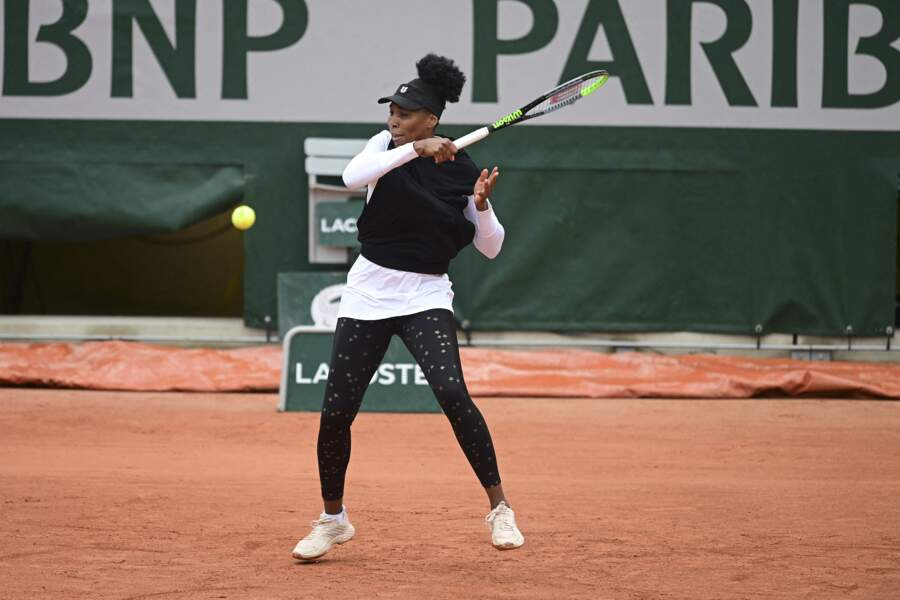 Venus Williams avec un legging à paillettes à Roland Garros en 2020