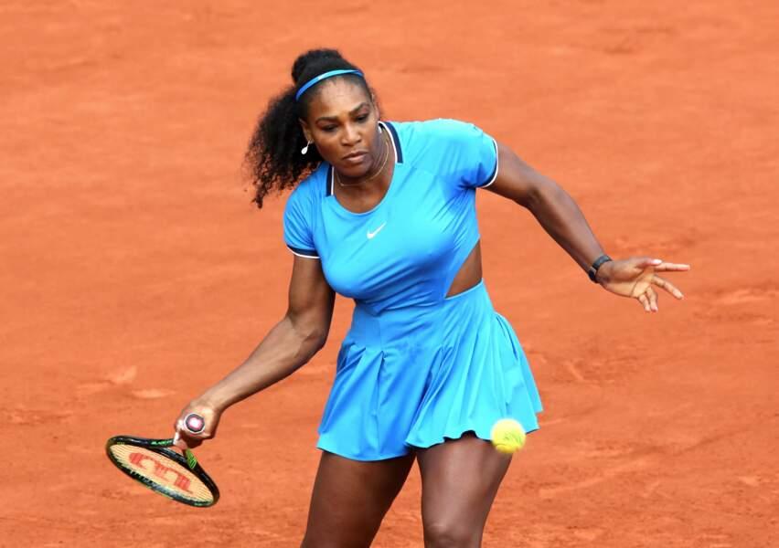 Serena Williams en bleu flashy à Roland Garros en 2016