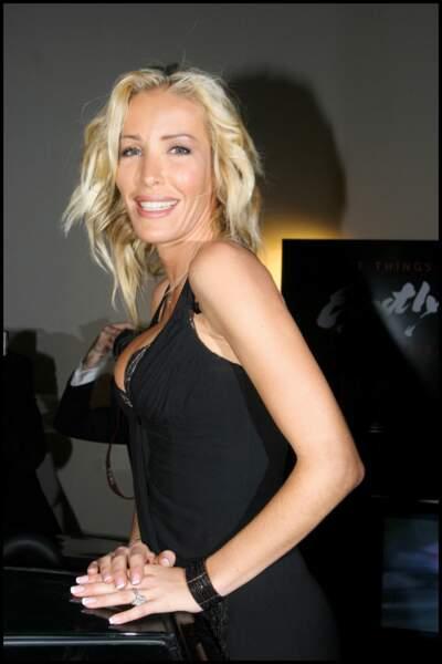 Ophélie Winter et un joli blond platine
