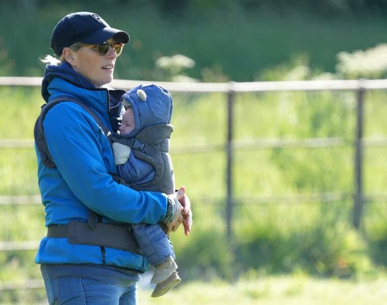 Zara Tindall a passé un moment privilégié avec son petit dernier, Lucas, ce samedi 29 mai, lors d'une sortie familiale dans le Norfolk.