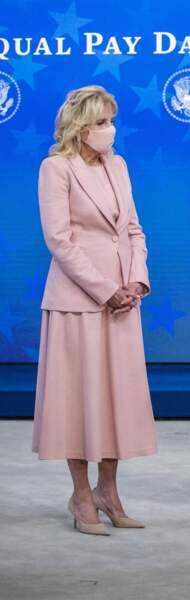 Jill Biden en total look rose : elle aime l'uni qui flatte la silhouette