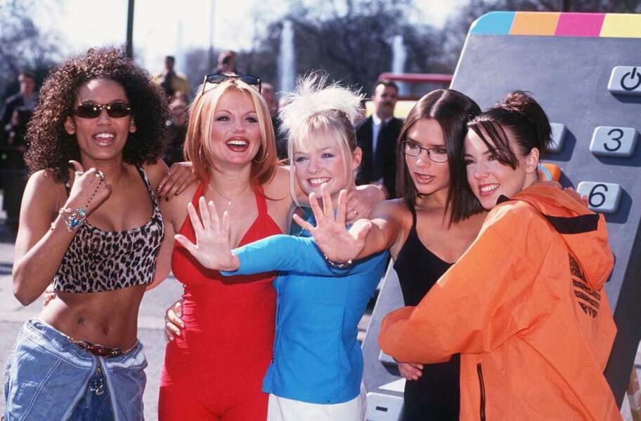 Melanie C (à droite), avec les autres membres des Spice Girls en mars 1997.