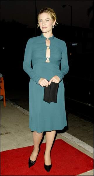 Kate Winslet en 2004 : en robe midi décolletée