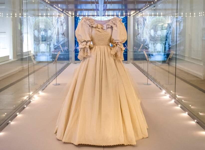 La robe de mariée de la princesse Diana s'expose à Kensington Palace à partir du 3 juin 2021