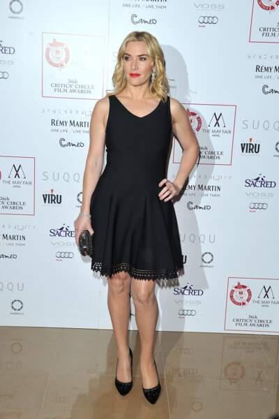 Kate Winslet en 2016 : bouche rouge et petite robe noire