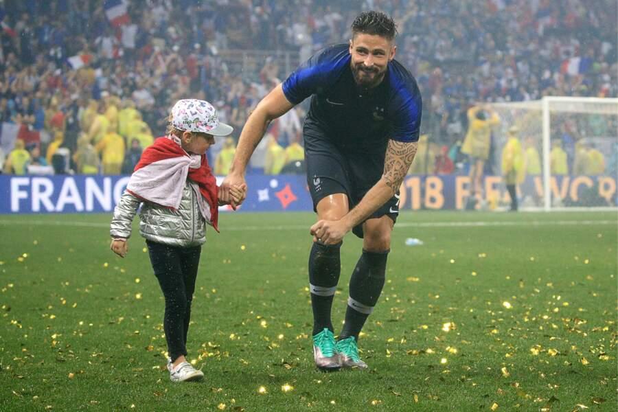 Olivier Giroud avec sa fille Jade vient de remporter la Coupe du monde de football en 2018