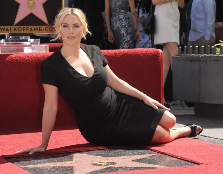 """Kate Winslet en 2014 : plantureuse pour recevoir son étoile sur le """"Walk Of Fame"""" à Hollywood."""