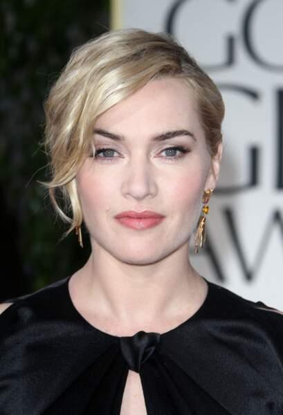 Kate Winslet en 2012 : chignon et mèche blond polaire wavy
