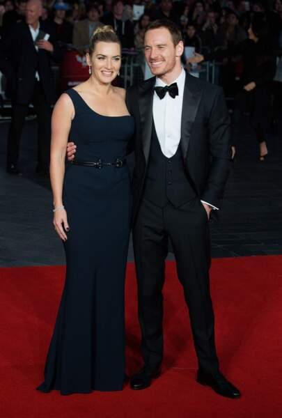 Kate Winslet en 2015, radieuse en robe asymétrique avec Michael Fassbender