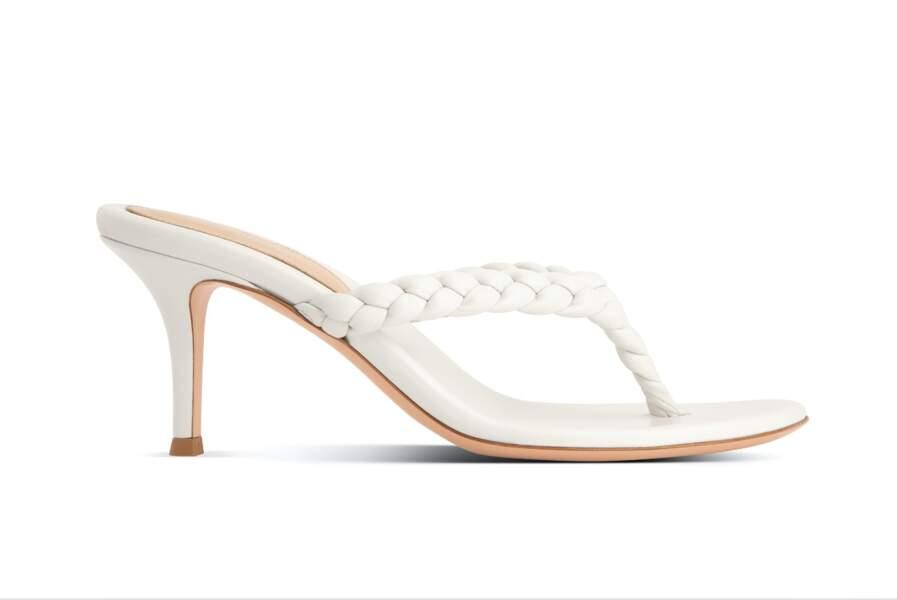 Sandales en cuir et détail tissé Tropea, 590€, Gianvito Rossi