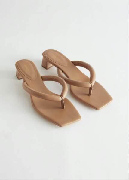 Sandales tongs à talons en cuir, 89€, &Other Stories