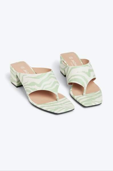Sandales à entre-doigts imprimées vegan, 30€,  Monki
