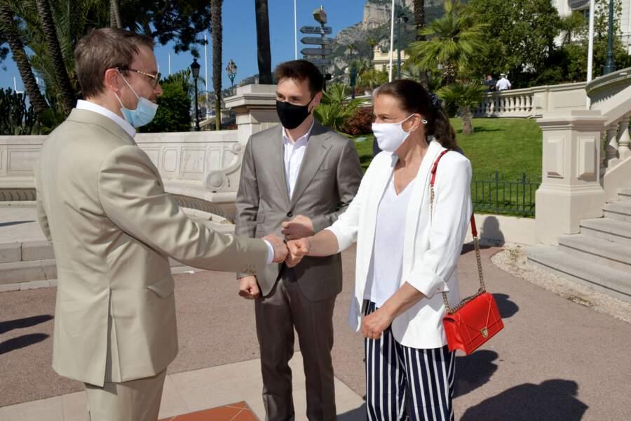 Stéphanie de Monaco et son fils rencontrent l'artiste Julien Marinetti