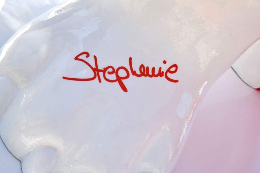 La princesse Stéphanie de Monaco a dédicacé l'oeuvre de Julien Marinetti