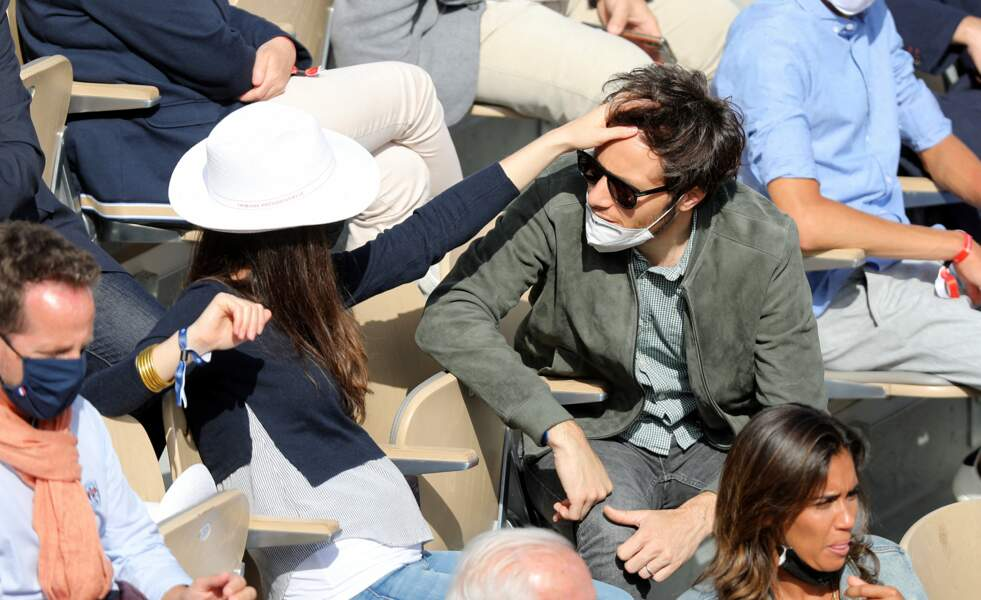 L'amour à Roland Garros entre le chanteur et la violoncelliste.