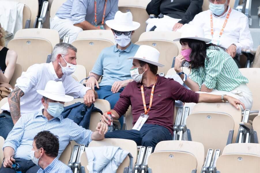 En couple depuis plus de 10 ans, Nolwenn Leroy et Arnaud Clément ont été aperçus à Roland Garros avec des amis.