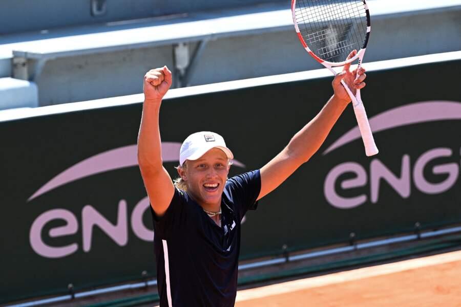 Son nom est déjà synonyme de victoire à Roland-Garros, mais à 18 ans, Leo Borg pourrait rattraper son père Bjorn