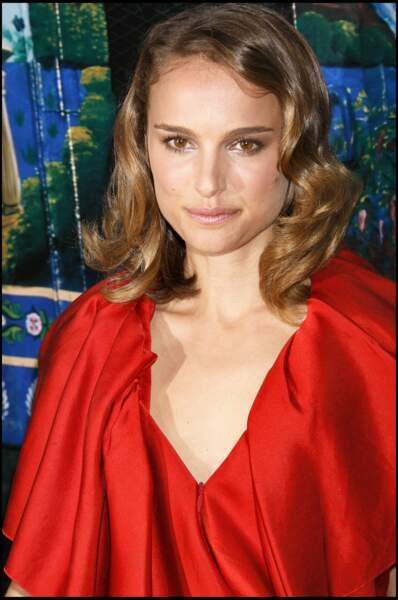 Natalie Portman en 2007 : un carré rétro et ondulé