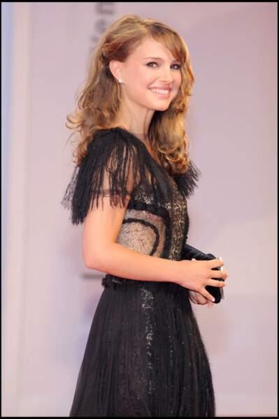 Natalie Portman en 2008 :de rares photos avec les cheveux très longs, très bouclés et blonds