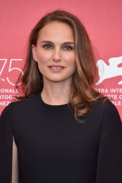 Natalie Portman en 2018 : carré long ondulé à la Mostra de Venise