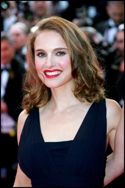 Natalie Portman en 2008 : une belle bouche rouge et un carré long ondulé