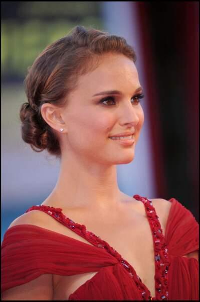 Natalie Portman en 2008 : et un de ses chignons roulés si réussis