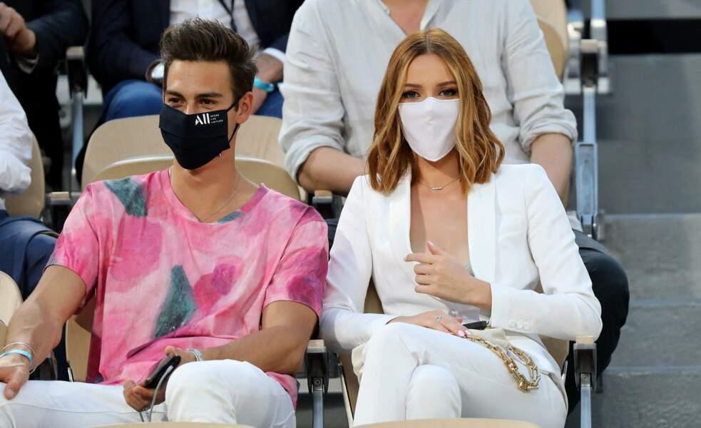 Maëva Coucke et un charmant garçon dans les tribunes des Internationaux de France de Tennis de Roland Garros à Paris. Le 9 juin 2021