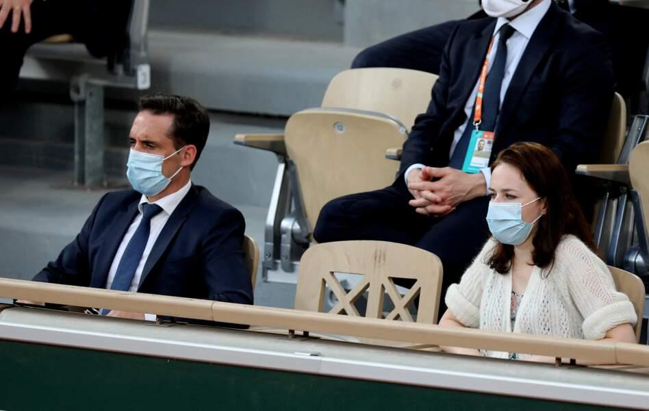 Jean-Baptiste Djebbari et sa compagne à Roland-Garros le 9 juin 2021