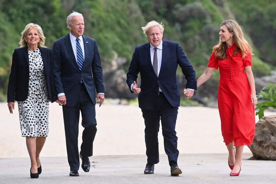 Le Premier ministre britannique Boris Johnson et sa femme Carrie Symonds accueillent le président américain Joe Biden et sa femme Jill Biden au sommet du G7 à Cornwall, le 10 juin 2021