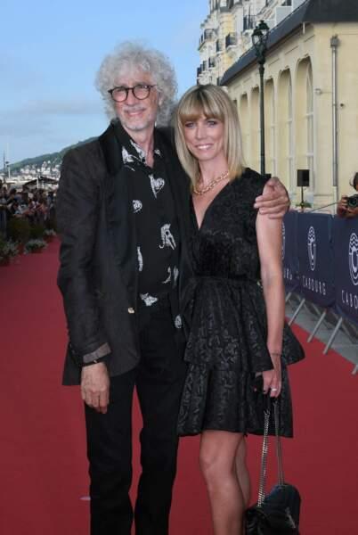 Laetitia Brichet au bras de Louis Bertignac pour le festival du film de Cabourg ce vendredi 11 juin.
