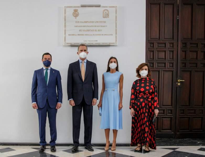 Le roi Felipe Vi, la reine Letizia, Carmen Calvo et  Juanma Moreno au palais de San Telmo, à Séville, le 14 juin