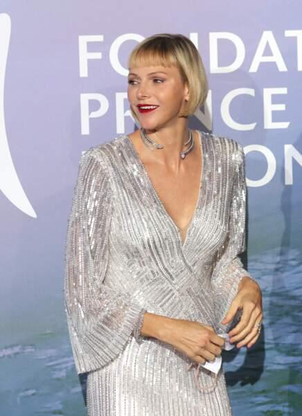 """24 septembre 2020 : frange courte et carré sophistiqué, Charlene se réinvente lors du """"Gala pour la santé de la planète"""" de Monte-Carlo"""