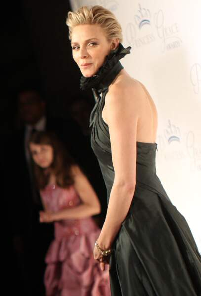 "30 octobre 2013 : Charlene majestueuse dans une robe Ralph Lauren, au gala ""Princess Grace Awards"""