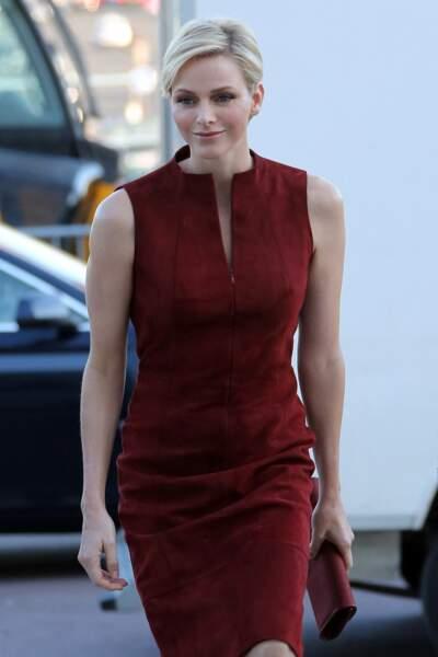 30 Septembre 2012 : Charlene de Monaco assiste, cheveux courts, au défilé Akris