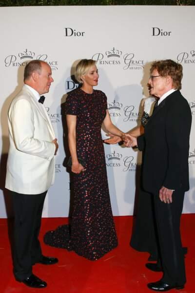 """5 septembre 2015 : Charlene de Monaco, entourée du prince Albert et de Robert Redford, lors du gala de la """"Princess Grace Foundation Awards USA"""