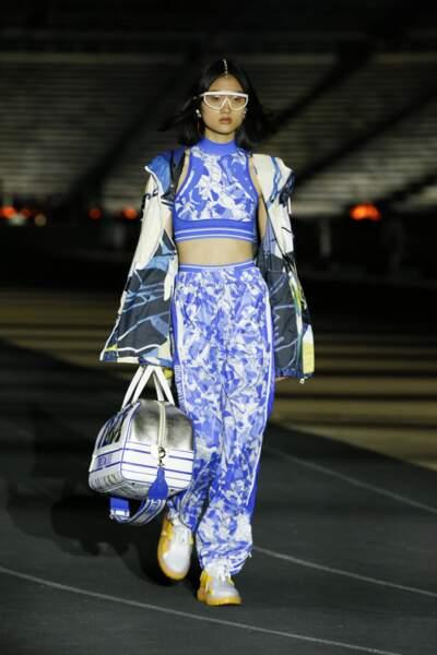 Défilé Dior prêt-à-porter collection Croisière 2022, au Stade panathénaïque d'Athènes, en Grèce.