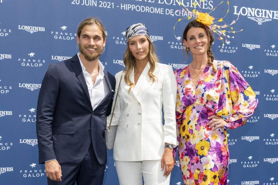 Le Prix de Diane a accueilli dans ses tribunes Sophie Thalmann, Camille Cerf et son compagnon Théo Fleury