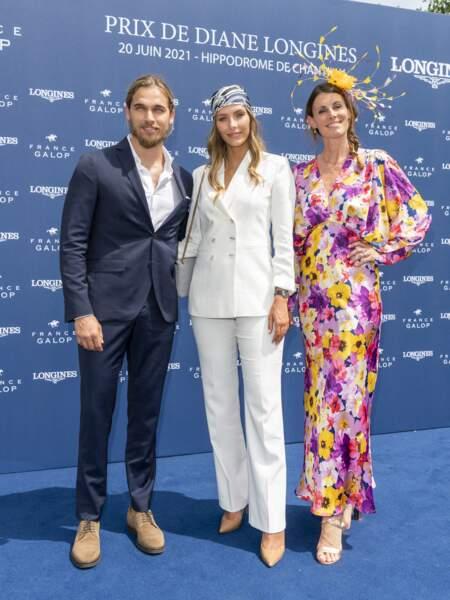 Sophie Thalmann, Camille Cerf et son compagnon Théo Fleury étaient parmi les personnalités présentes au Prix de Diane