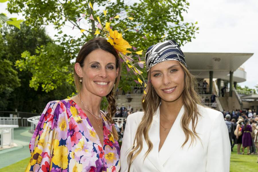 Camille Cerf aux côtés de Sophie Thalmann à l'occasion du Prix de Diane à Chantilly